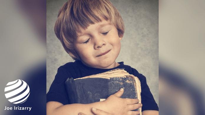 """¡Hermoso! Niño Dice Que """"Su Mayor Regalo Es La Biblia, La Palabra De Dios"""""""